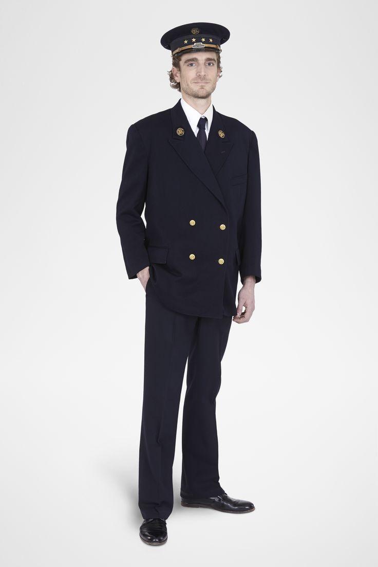 La confection des premiers uniformes est confi e la belle jardini re dr le - Confection textile paris ...