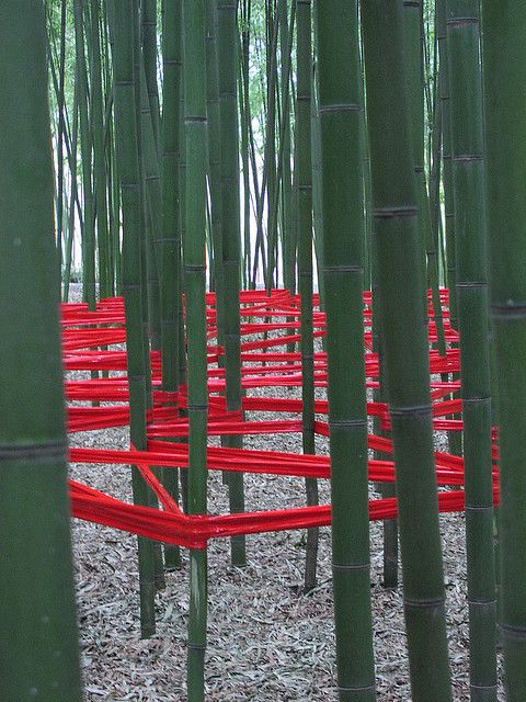 Land Art: Thematic Oppositions by tiseb, via Flickr