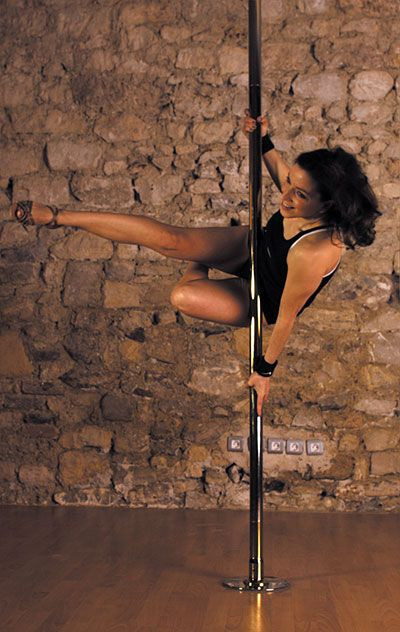 29 best pole dance spins spiny images on pinterest pole fitness pole dance and pole dancing. Black Bedroom Furniture Sets. Home Design Ideas