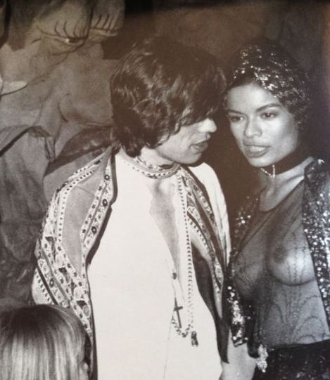 best 25 bianca jagger ideas on pinterest whistles style white pantsuit and mick jagger wife. Black Bedroom Furniture Sets. Home Design Ideas