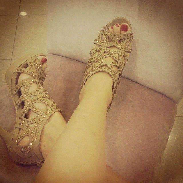 Heels 32,99 € Shipping details: https://www.facebook.com/RomiWomensApparel