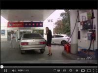 Rosjanka na stacji benzynowej