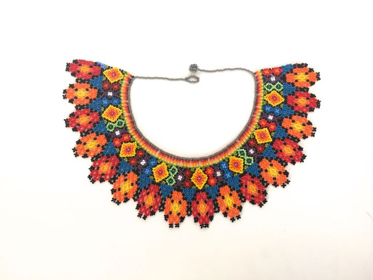 Collar Chaquiras elaborado por la tribu Embera de Colombia