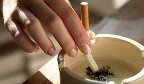 Ce se întâmplă în corpul dumneavoastră dacă renunțați la fumat? Un scurt infografic     Se spune că o singură ţigară îţi scurtează viaţa cu câteva minute. Dar ce se întâmplă imediat după ce o persoană renunţă la acest viciu? Studiile au arătat că primele îmbunătăţiri în ceea ce priveşte starea de sănătate apar chiar la prima jumătate de oră după ultimul fum însă este nevoie de o perioadă foarte lungă pentru ca speranţa de viaţă a fumătorului să ajungă din nou la nivelul unei persoane care nu…
