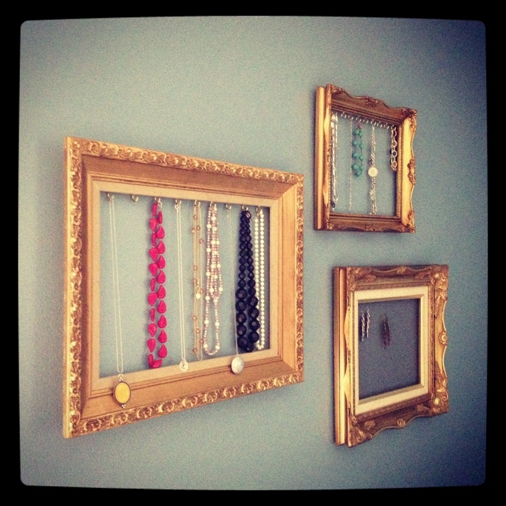 jewelry framesJewelry Frame, Cute Ideas, Jewelry Displays, Diy Jewelry, Vintage Frames, Vintage Inspired, Jewelry Holder, Vintage Jewelry, Jewellery Display