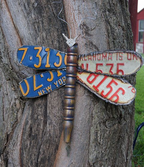 Decorative Dragonfly made from discarded license plates.. Cool Idea