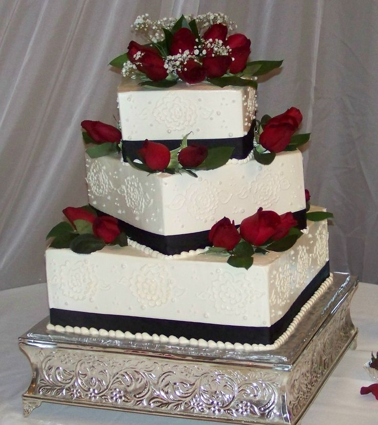 Square Wedding Cake Ideas: Black And White Cakes With Red Flowers