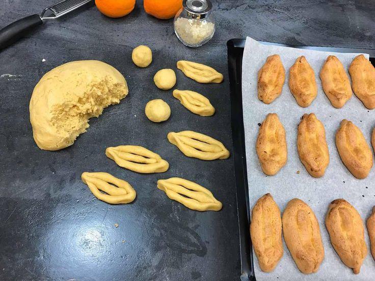 Πασχαλινά Κουλουράκια Σμυρνέικα από την Αργυρώ Μπαρμπαρίγου | Παραδοσιακή συνταγή για σμυρνέικα κουλουράκια.Ψήστε τα να μοσχομυρίσει Πάσχα όλο το σπίτι