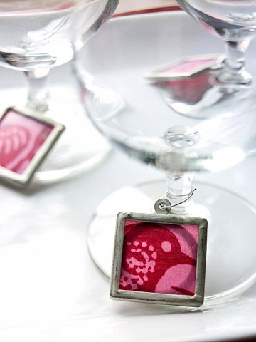 Adorable Glass Charms: Wine Charms, Gifts Ideas, Adorable Glasses, Fabrics Scrap, Wine Glasses Charms, Frames Pendants, Wineglass Charms, Wine Glass Charms, Christmas Gifts
