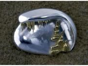 Design 2105 : sterling silver brooch with gold design of stalactites and stalagmites: