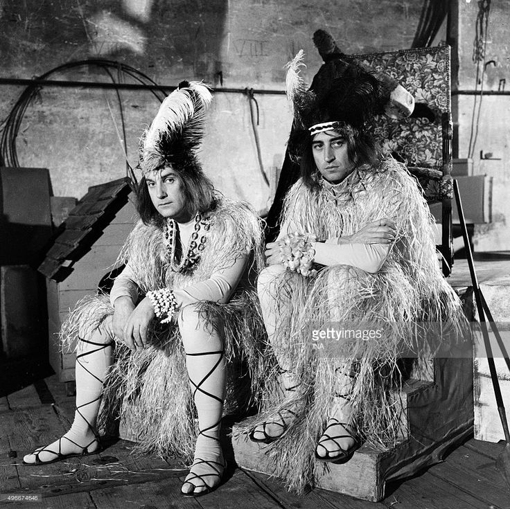 Daniel Ceccaldi and Pierre Vernier disguised as natives on the shooting of the television series 'Orders Temporary work' realized by Marcel Moussy