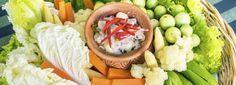 Lekker, zo'n avondje bankhangen. Daar hoort natuurlijk een snack bij. Maar wat kies je als je op de lijn let? Rozemarijn van Lieshout is gewichtsconsulent en deelt haar favoriete snacksop CookLoveShare. Cherrytomaatjes, komkommertjes en radijsjes Groenten bevatten weinig calorieën,veel vezels (en vezels verzadigen!) en als bonus nog een portie vitamines en mineralen. Snijd een paar […]