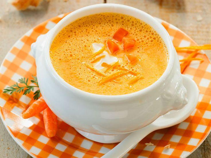 Avec les lectrices reporter de Femme Actuelle, découvrez les recettes de cuisine des internautes : Soupe de carottes à l'orange