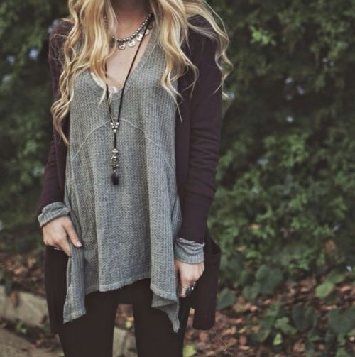 I think this would be my favorite outfit. Purple plum cardigan over flowy grey long sleeve shirt. Leggings and layered necklaces: pendant and metal.