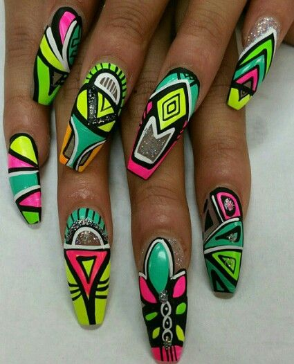 Neon graffiti nails @thenailpicasso