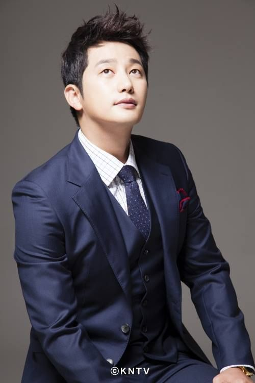 Park Shi Hoo.in Neighborhood Hero