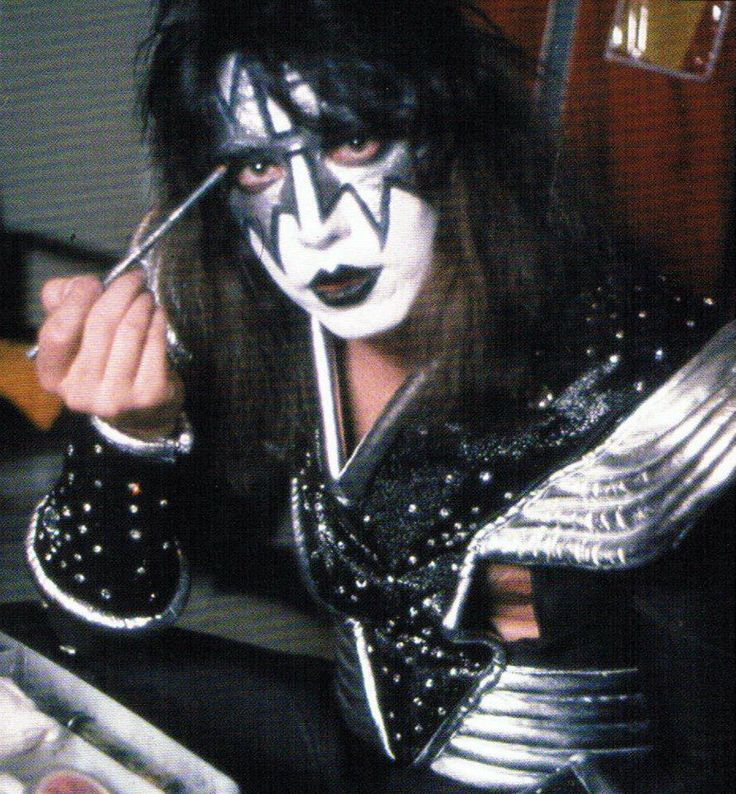 Paul Stanley Makeup: Kiss-Ace Frehley.........