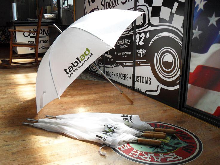 Sono pronti gli ombrelli Tablad!! http://www.facebook.com/pages/Guido-Borgonovo-Tablad/170810149733250 www.guidoborgonovo.it