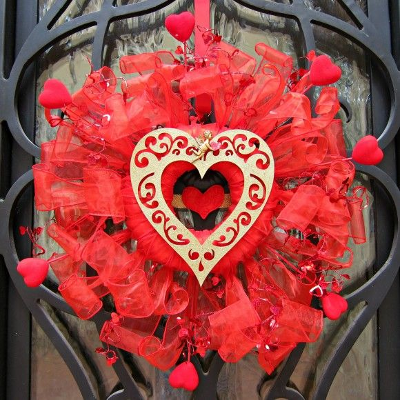 Dollar store craft valentine wreath diy dollar store for Vita craft factory outlet