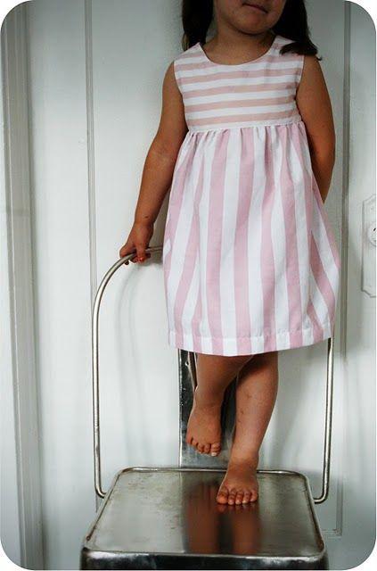 Pattern for Girls Summer Frock: Sleeveless Summer Dress