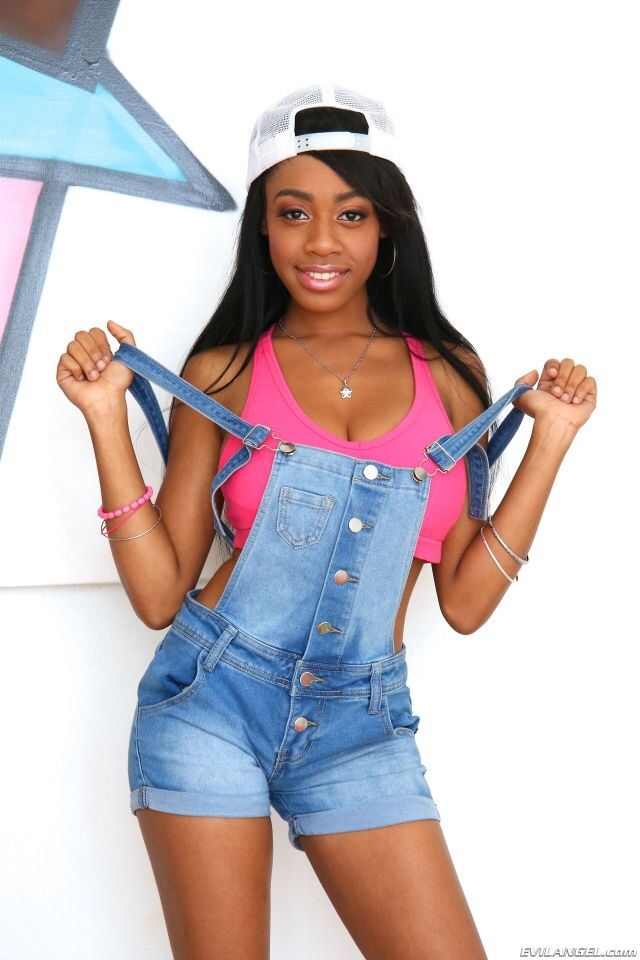 Ebony teen pornstar