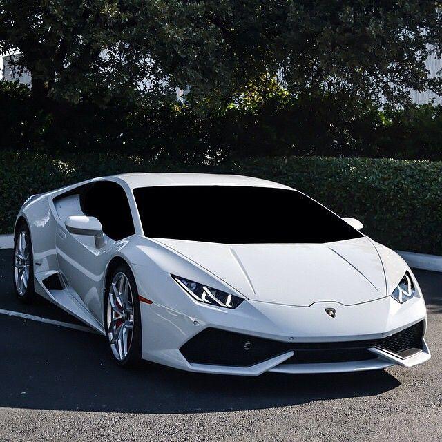 Lamborghini Huracan LP 610-4... Still battling if Huracan is prettier than Gallardo...