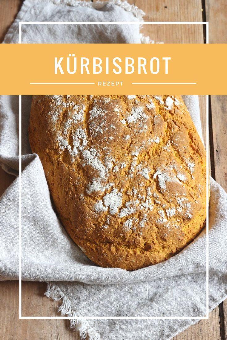 Kürbisbrot - mein liebstes Kürbis Rezept - das Brot mit gekochtem Kürbispüree schmeckt hervorragend und ist ganz einfach zu backen. Schmeckt auch Kindern.   #brot #kürbis
