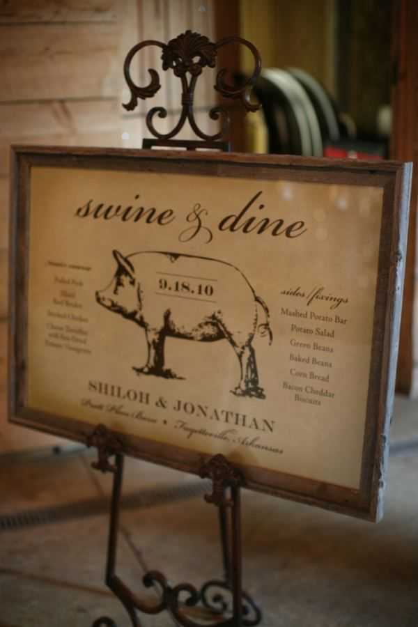 How cute for a pig roast! (though it would need to be a little more rustic to work for my wedding)