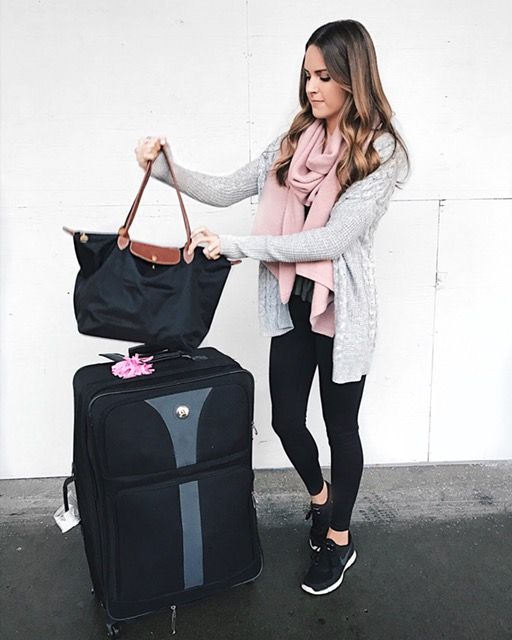 travel outfit, airport style, airplane outfit