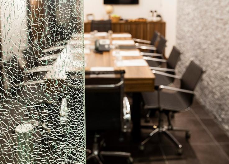 Katılımcı sayınızı ve toplantı planınızı bize bildirin, toplantı odamızın kapısı sizin başarılarınıza açılsın… http://www.officeportistanbul.com/toplanti-odasi.php