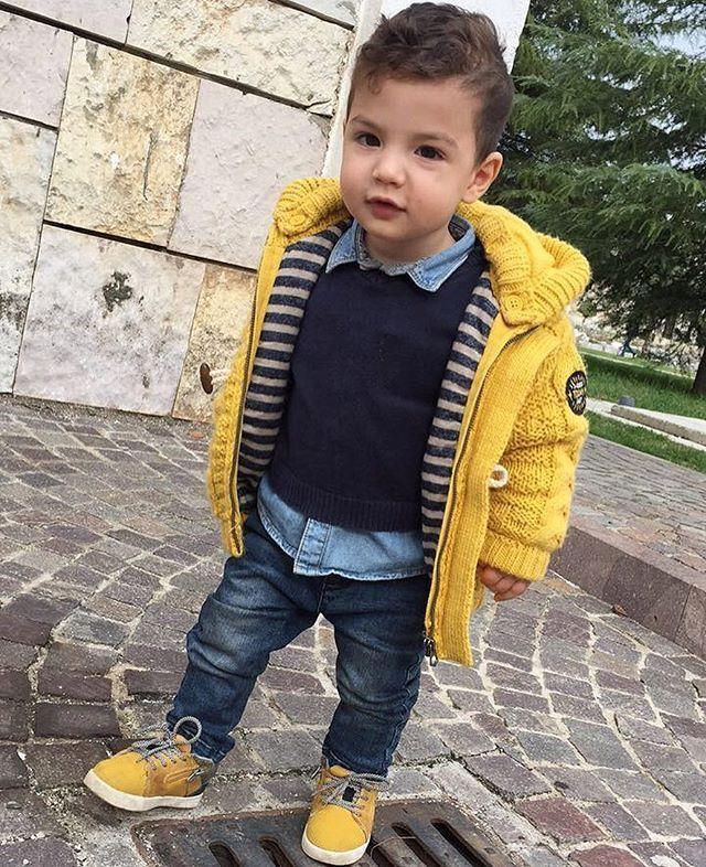 Ich liebe einfach eine Kuscheljacke und Jeans an meinem kleinen Mann. Wie schön ist das aus ....