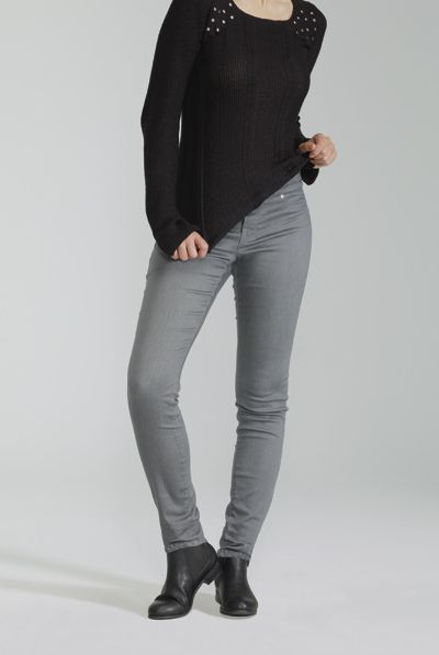 The Comfort Legging / Le Legging Confort  #ReitmansJeans #Jeans #Grey #Gray #Gris #BlueJeans #Style