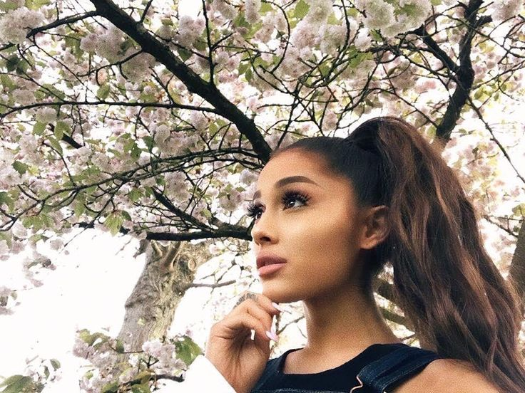 """Ari-I sigh""""I leave for tour in a few days. I'm going to miss chance so much.."""""""