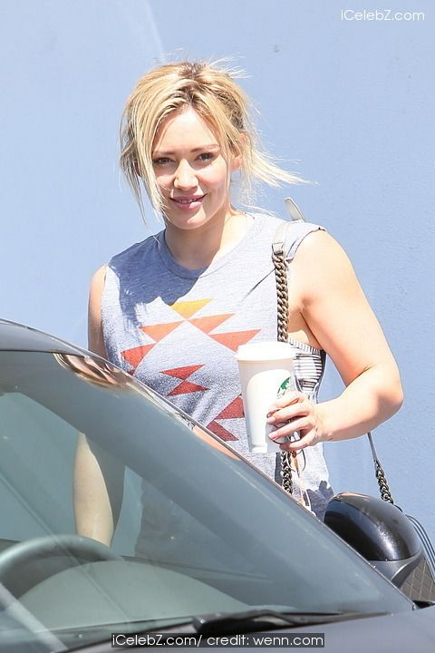 Hilary Duff leaving the Rise Movement Gym http://icelebz.com/events/hilary_duff_leaving_the_rise_movement_gym/photo3.html