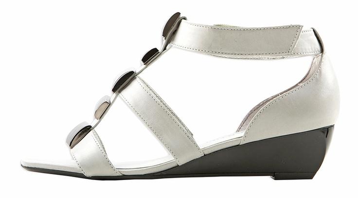 JB Martin Chaussures rayées. Quand le rayer s'installe sur vos pieds, ça donne du chic endiablé!