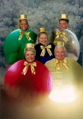 I guess this could be an awkward family Christmas photo...