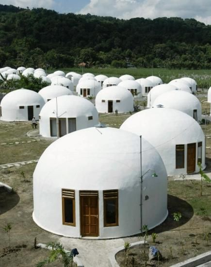 25 Best Ideas About Unusual Homes On Pinterest Weird Houses Unusual Buildings And Crazy Houses