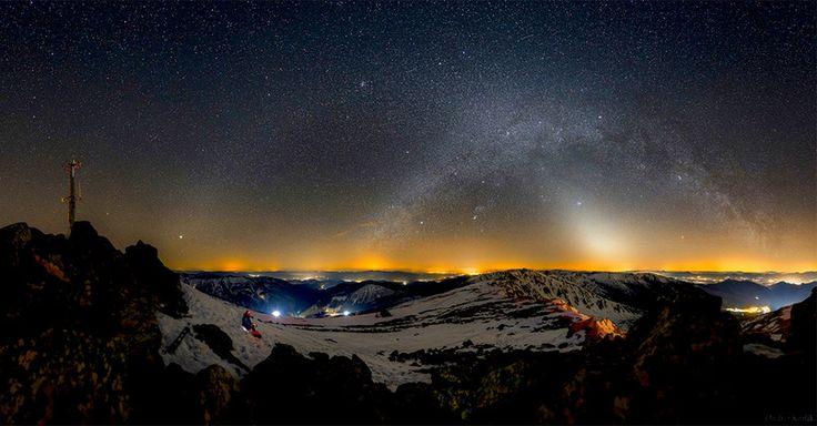 Dva nočné oblúky zachytené Ondrejom Králikom v Nízkych Tatrách.