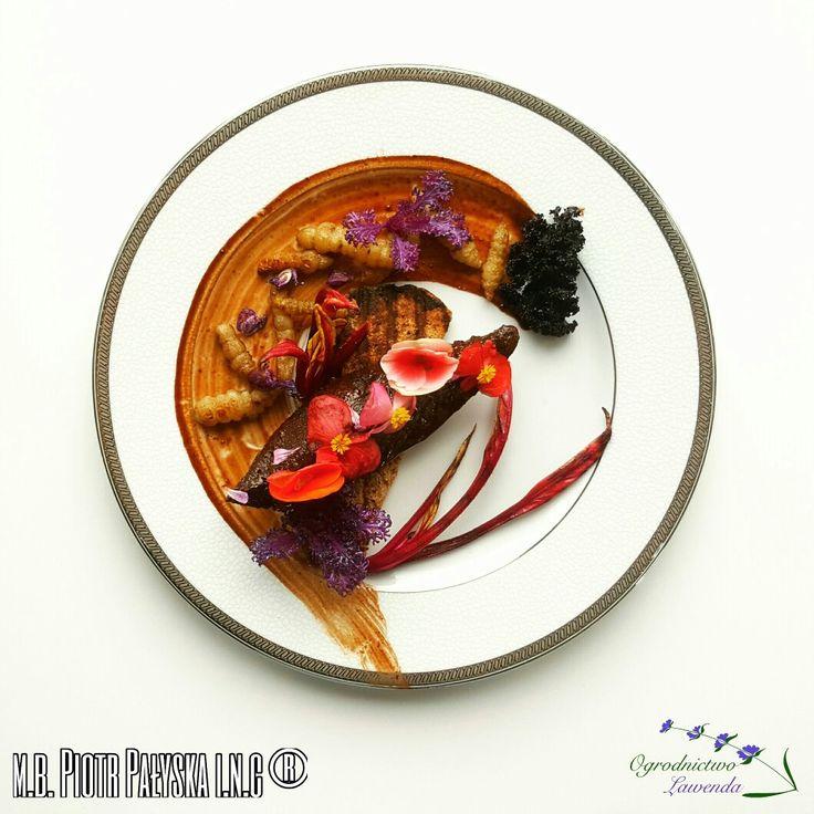 PLATE 12 Wątroba Wieprzowa/Czyściec Błotny/Jarmuż/Begonia/Kakao Pork Liver/Marsh Woundwort/Kale/Begonia/Cocoa made by Piotr Pałyska. #plate #abstract #gastronomy #flower