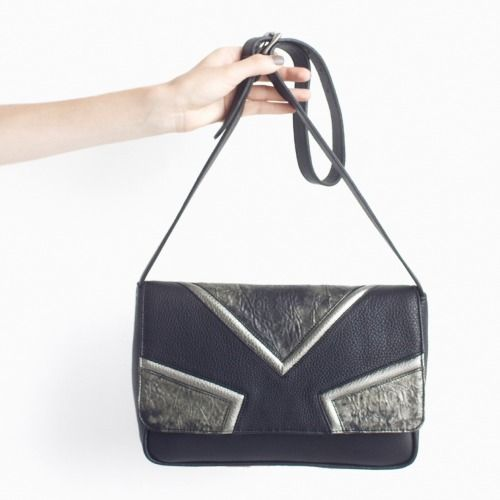 DAMAGED DUCHESS. Opal Bronze ( Leather Shoulder Bag ) http://shop.damaged-duchess.com/product/dd101-bb