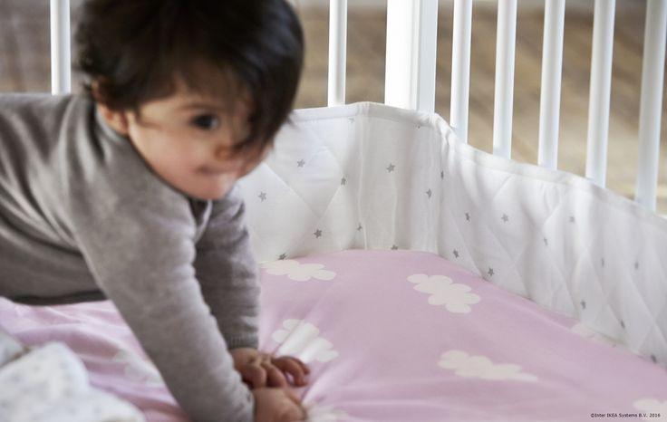 Protecția de pătuț HIMMELSK te ajută să aduci un plus de siguranță celor mici atunci când sunt în creștere.