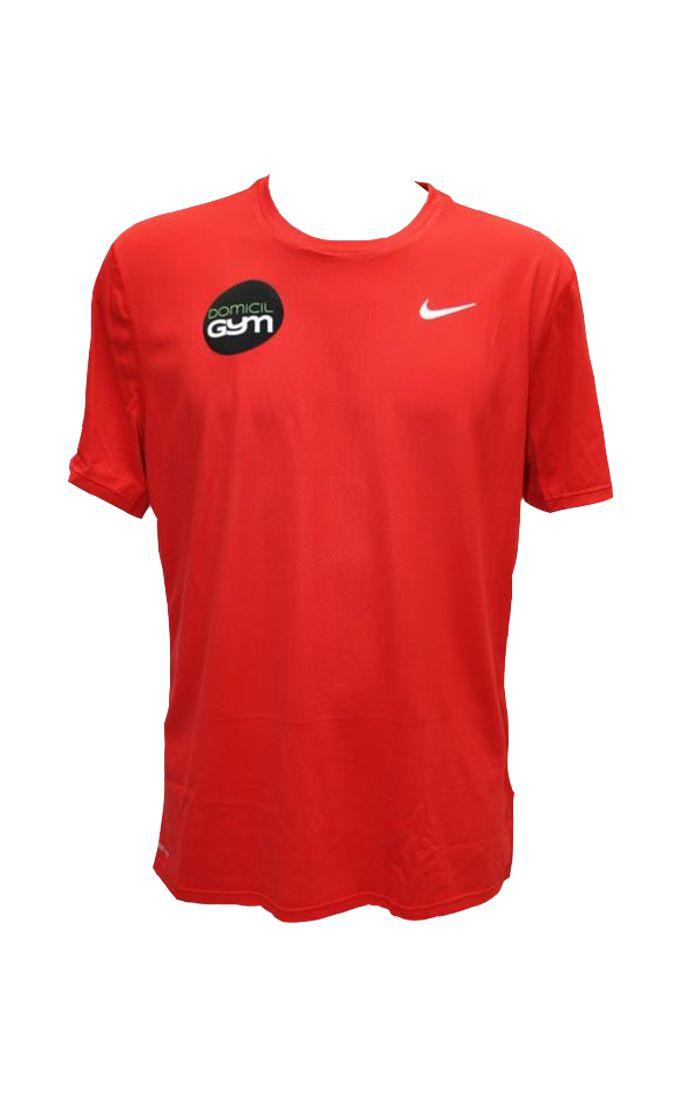 Lumière sur... Notre T-Shirt Running NIKE Rouge 657 Actuellement à -50%, ce T-Shirt Nike vous offrira un excellent rapport qualité prix. Disponible en taille M.  #tshirt #teeshirt #tshirts #teeshirts #homme #hommes #niketshirt #nike #niketeeshirt #nikerouge #tshirtrouge #teeshirtrouge #vetement #vetements #vêtement #vêtements #vetementhomme #vêtementhomme #mode #sport #vêtementsport #vetementsport #leggingsport #boutique #activitésportive #gym #activitesportive #fitness #fitlife