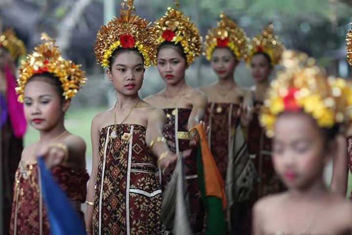 Bulan pertama kalender Desa Tenganan 2014 - Upacara Usaba Kasa - Akar Media Majalah Digital Online
