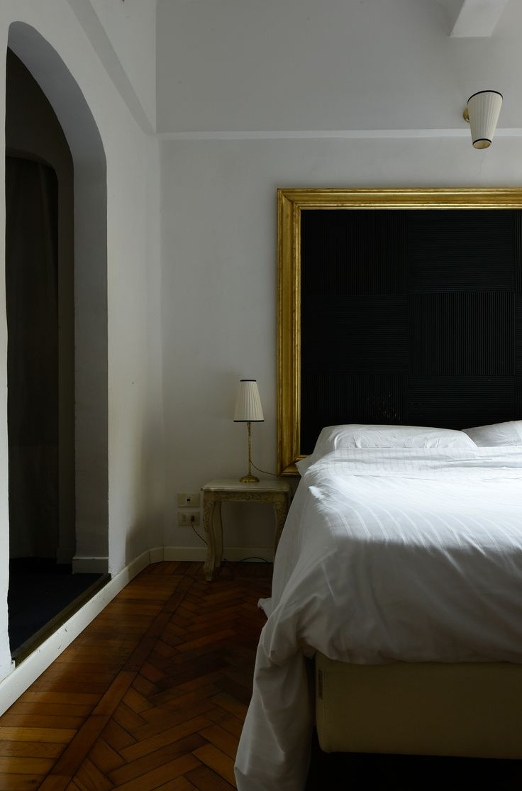 Located in the heart of the historic centre of Florence, one of Italy's most vibrant artistic cities, yet maintaining its privacy and intimacy, Hotel Cellai is the ideal place for travellers interested in art and architecture. #Florence #Italy