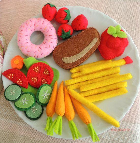 Felt Food, Dinner Set, Eco friendly childrens pretend play food for toy kitchen. Felt Carrot Tomato Lettuce Cucumber Donut Beef, montessori
