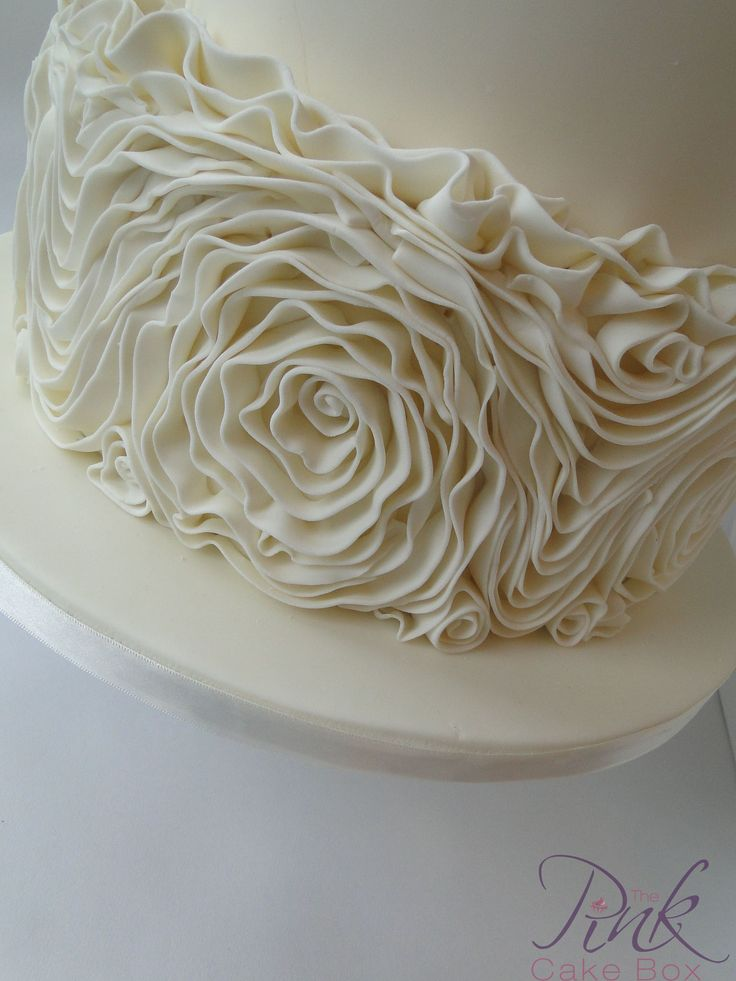 how to make ruffle roses on wedding cake 17 best images about fondant ruffle cakes on 15987