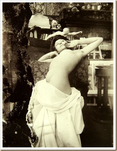 A model poses for Alphonse Mucha in his studio, ca. 1902-04 submission from jedodedo [also  more here  here]