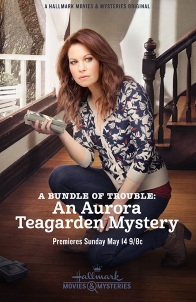 An Aurora Teagarden Mystery: A Bundle of Trouble