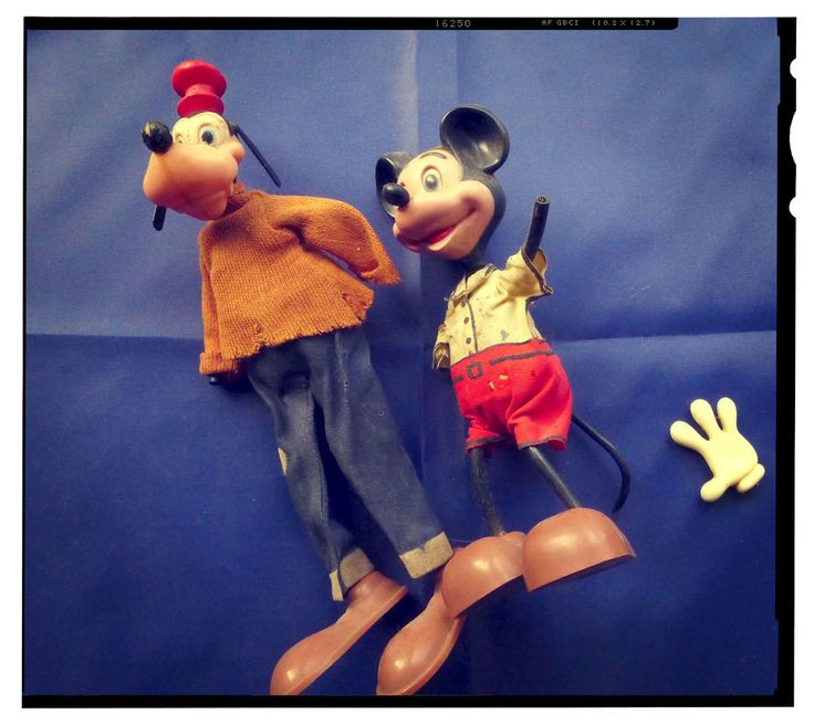 #Vintage Mickey Mouse and his friend Goofy. 2 small dolls Walt Disney production #Disney