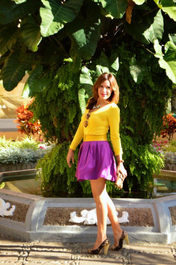 Purple  yellow 4-7-2014  Jersey / Pull: Zara Falda / Skirt: Tienda local Gafas de sol / Sunnies: Prada Zapatos / Heels: Stradivarius